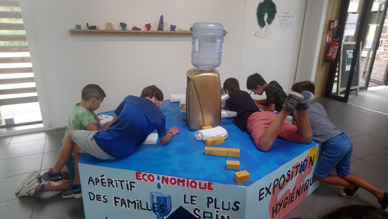 Visite et atelier autour de l'exposition d'Anaïs Touchot - ALSH de Montfort-sur-Meu