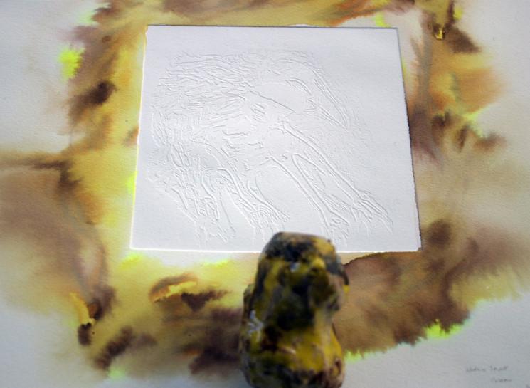 Noémie Sauve, L'oiseau - Gaufrage en eau forte au rouge à lèvres et céramique, 28x38cm, 2015.
