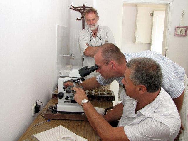 Swiss-Silk pflegt den Erfahrungsaustausch mit Seiden-Experten weltweit. Hier ein Besuch in Bulgarien.