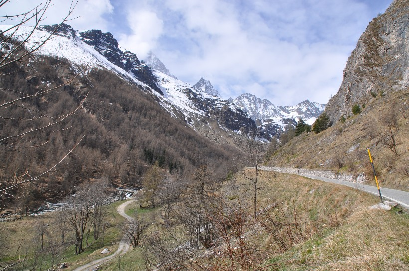 Into the Cottian Alps, West of Torino