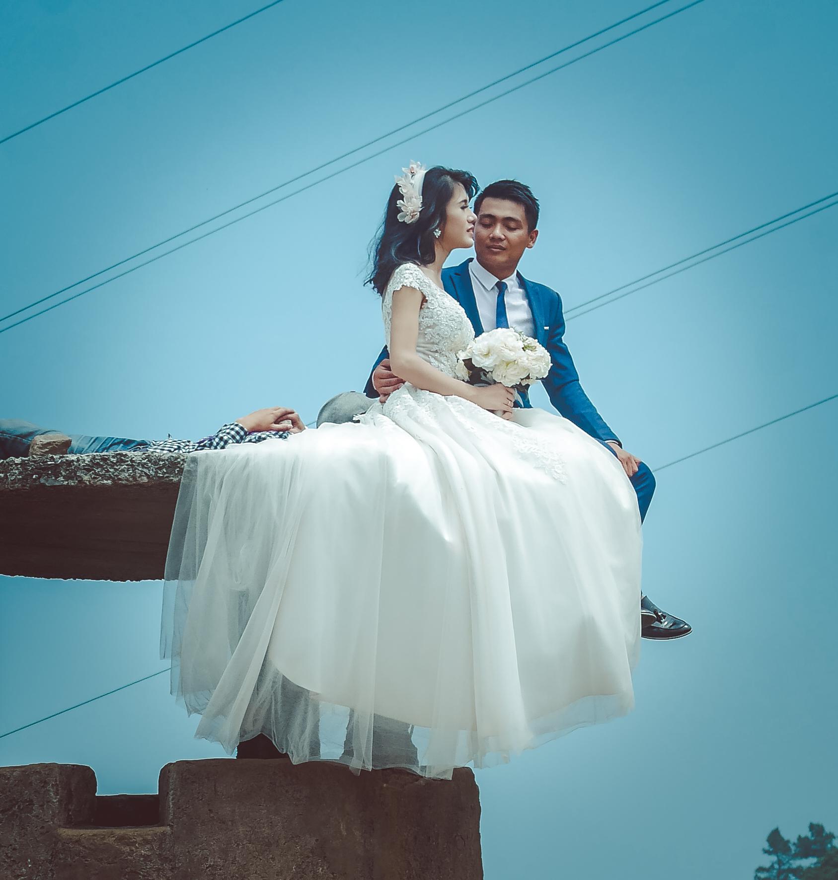Fahrt über den Wolkenpass - Hochzeitsfotoshooting