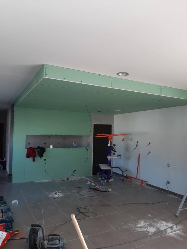 Délimitation par la création d'un faux plafond.