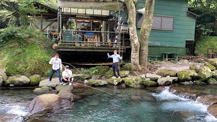 横浜で左官、土間工事を施工する泊工業はチームワークを大事にします。