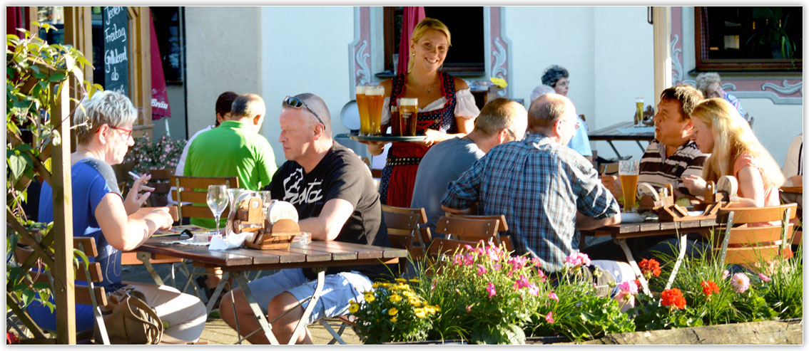 Beer garden at the Gasthof Hotel zur Post Kiefersfelden