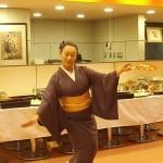 杉並支部の劇団前進座の妻倉和子さんが長唄「宝船」の舞い。