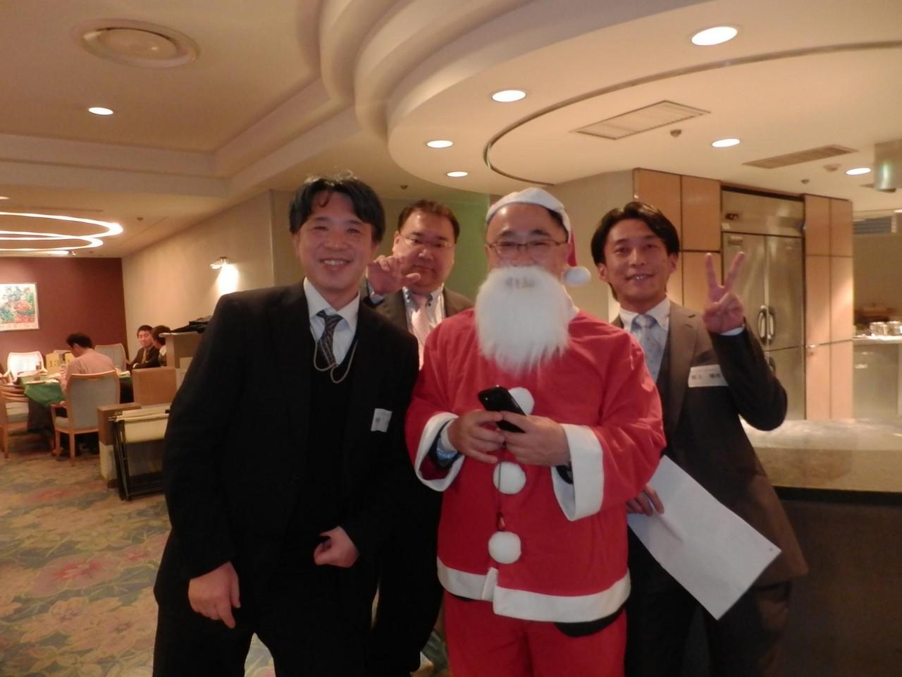 サンタさんは誰?・・ヒントのりまき・嘉納さん☆