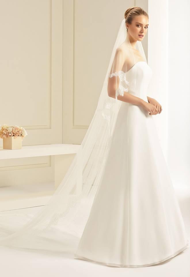 Brautschleier mit feiner Spitze