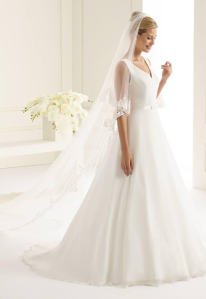 Brautschleier mit Spitze lang