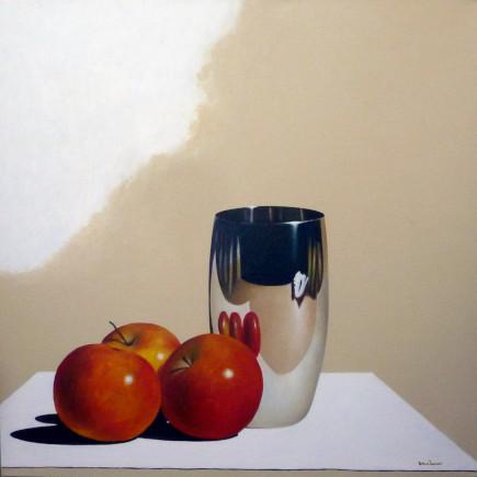 Ölbild mit drei Äpfel und spiegelndem Becher