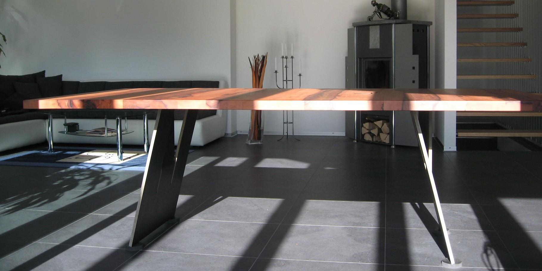 Tisch Holz Metall Design