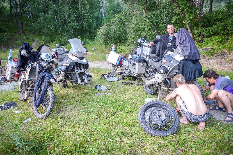 Eine rätselhafte Panne - Reisebericht Russland (Altaigebirge)