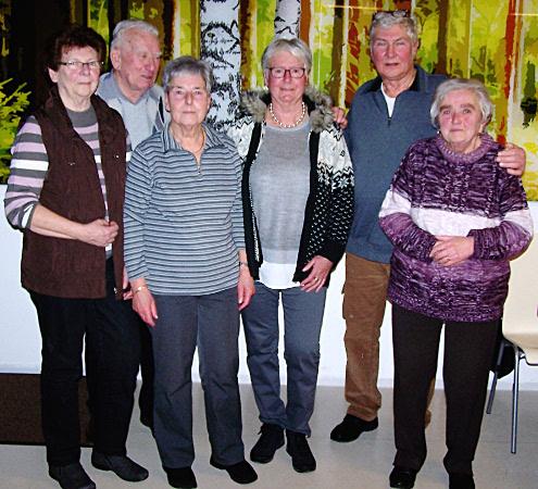 Im Bild von links nach rechts: Erika Zechner, Heinz Zechner, Marga Dutkiewicz, Hilde Mundel, Reiner Kirsch und Evi Schütze.