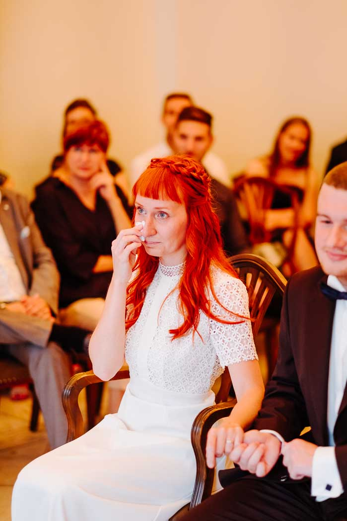 Hochzeitsreportage Hochzeitsfotograf Frankfurt Hochzeitskleid