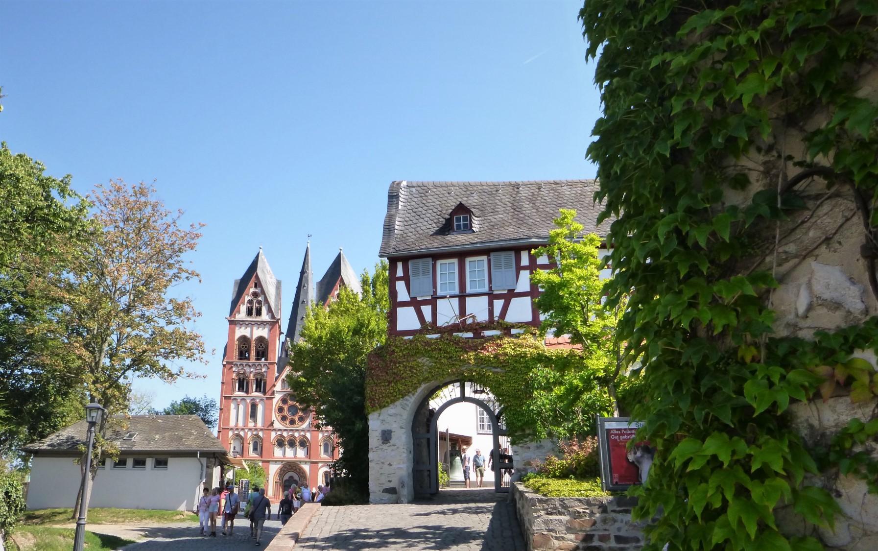 Das Tor zum Dom