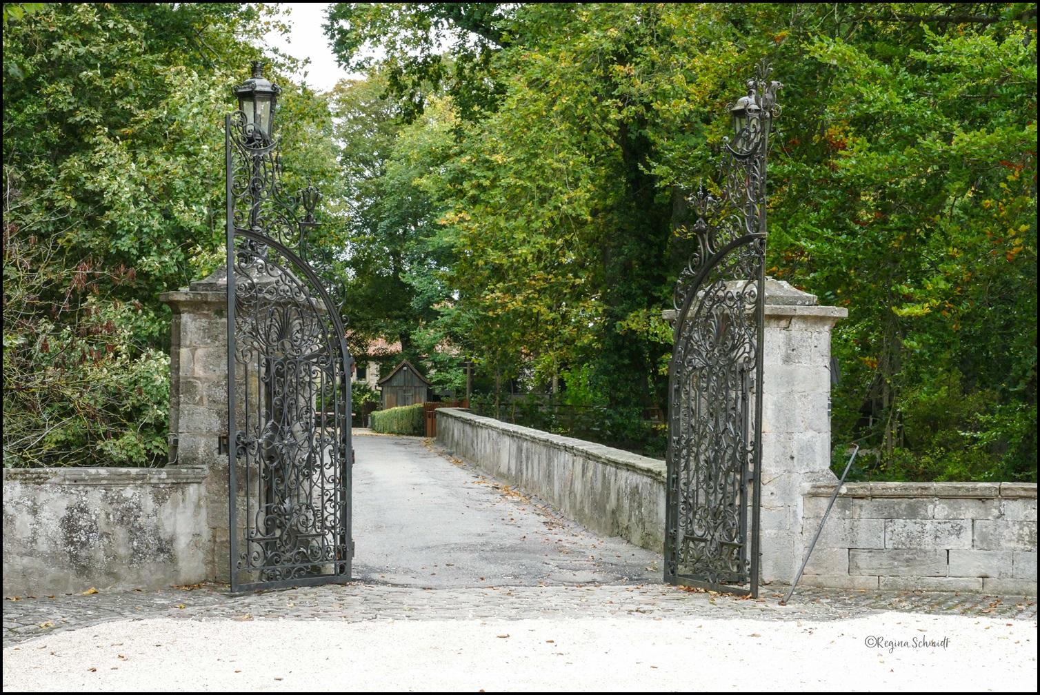 Eingang zum Schloss von Bartenstein