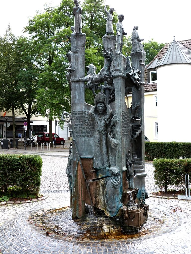 Der Paderborner Sagenturm