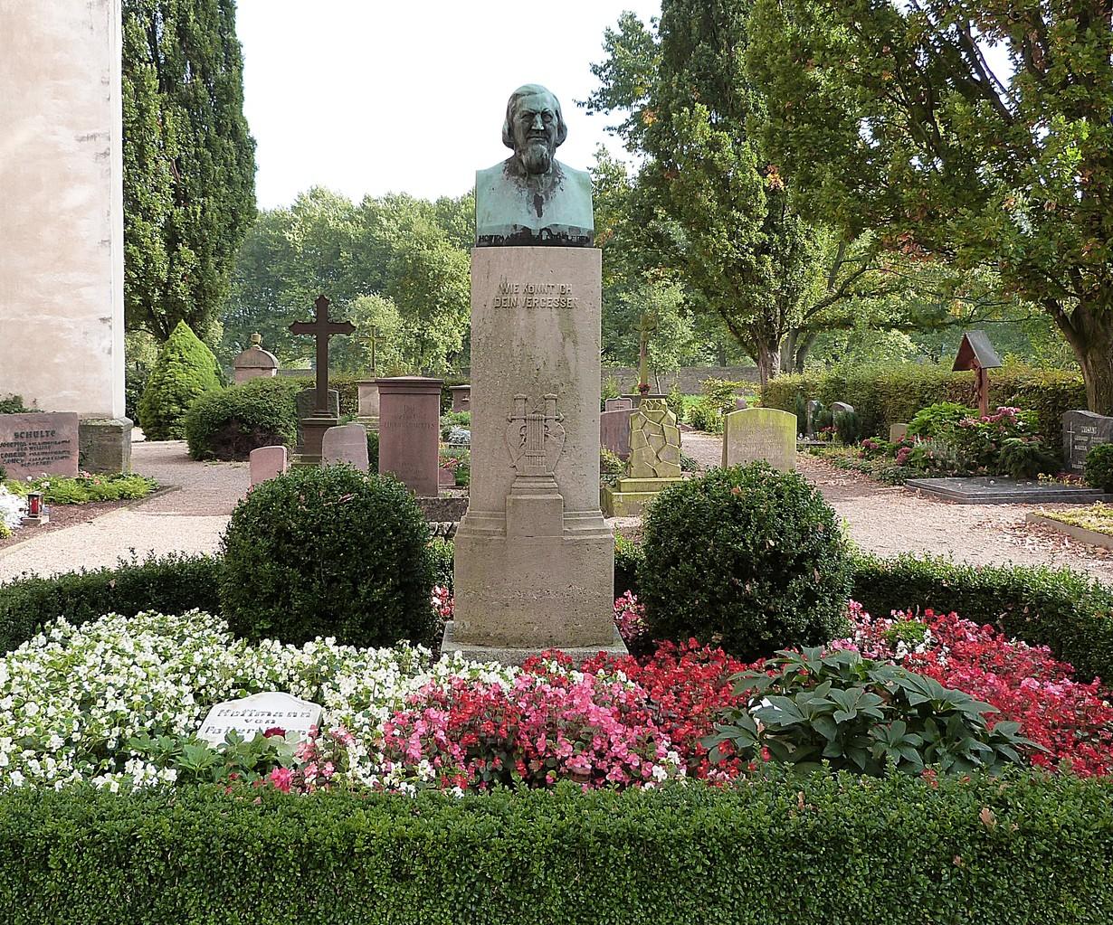Grab von August Heinrich Hoffmann von Fallersleben