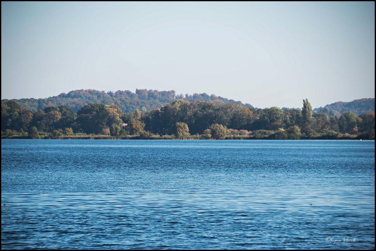 Mit dem Boot über die Seen