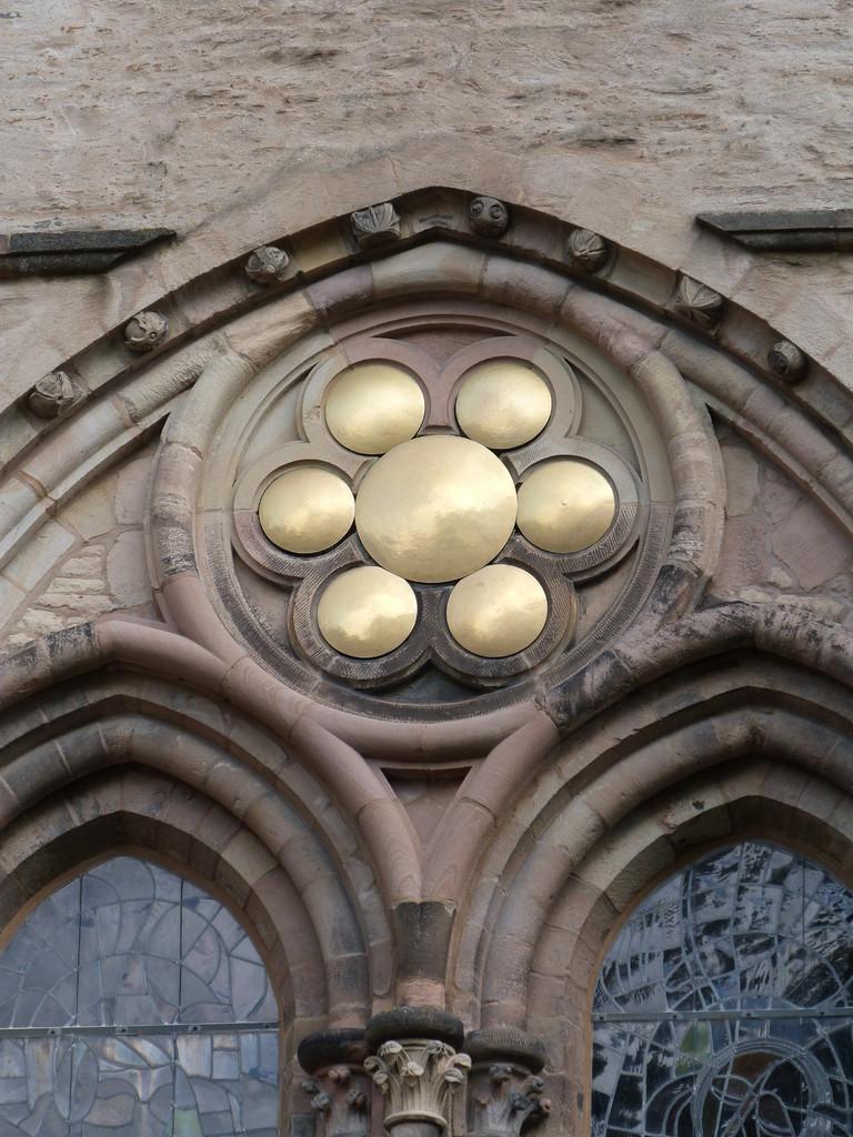 Siebensonnenfenster Detail