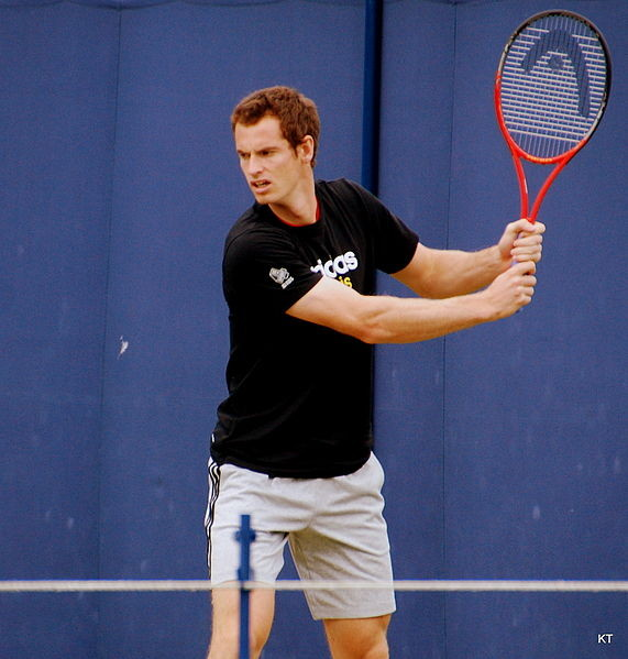 ...  den Schotten Andy Murray, der sich im Achtelfinale ein tolles Match mit Grigor Dimitrov lieferte. (Foto by: Carine06 [CC BY-SA 2.0 (http://creativecommons.org/licenses/by-sa/2.0)], via Wikimedia Commons)