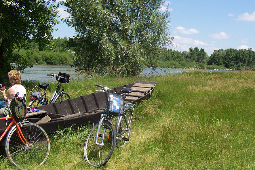Camping Sites & Paysages  Les Saules à Cheverny - Loire Valley - Balades en familles et entre amis sur les circuits des Châteaux à Vélo