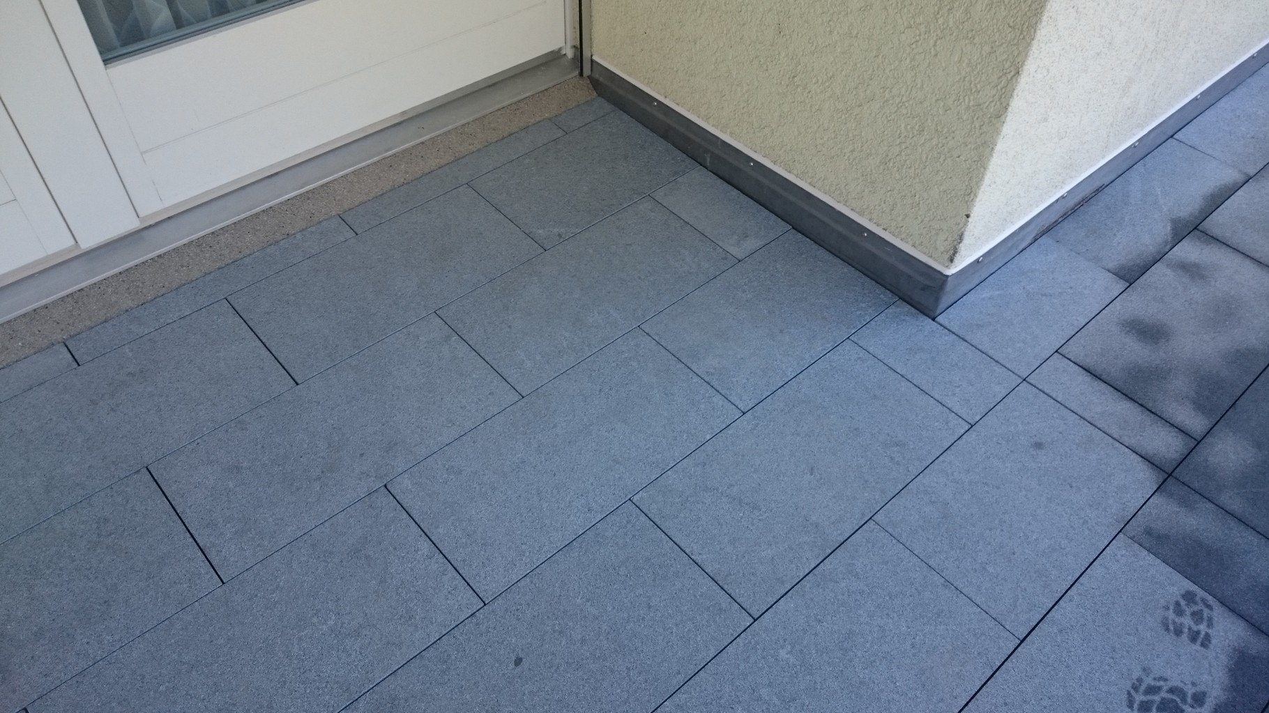 Granitplattenbelag. Dallenwil