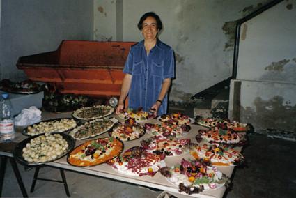 Fiesta de fin de curso, en junio, una tradición apta para gourmets (1999).