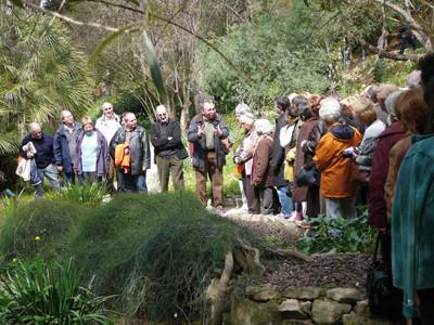 Tornem a les nostres arrels: visita guiada per Josep Maria Montserrat al Jardí Històric (2008).
