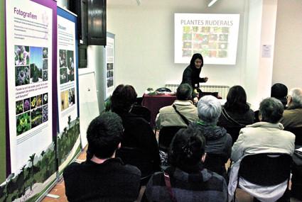 Xerrada: Les plantes ruderals. Propietats medicinals i usos culinaris. Impartida per Sílvia Sánchez (2010).