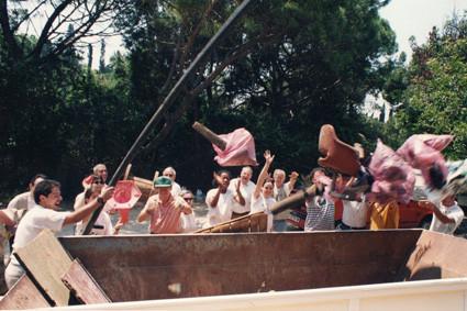 Neteja del Sot de l'estany de la Foixarda ... quin plaer tenir el lloc net! (1996)