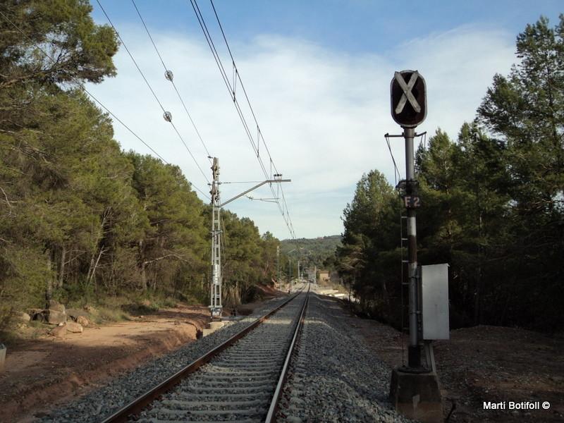 1 - Señal de entrada de una estación convertida en apeadero.