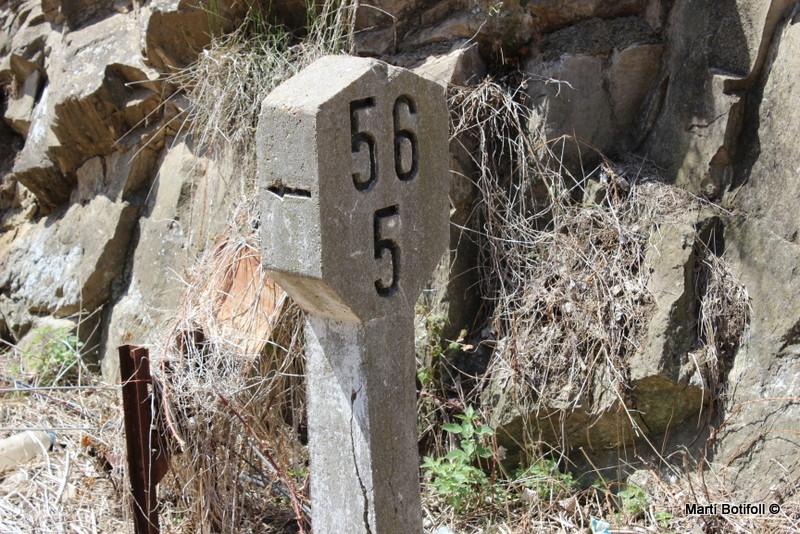 Punto Kilométrico 56,500 de la línea Soria-Castejón. Indica como estación més próxima Ágreda