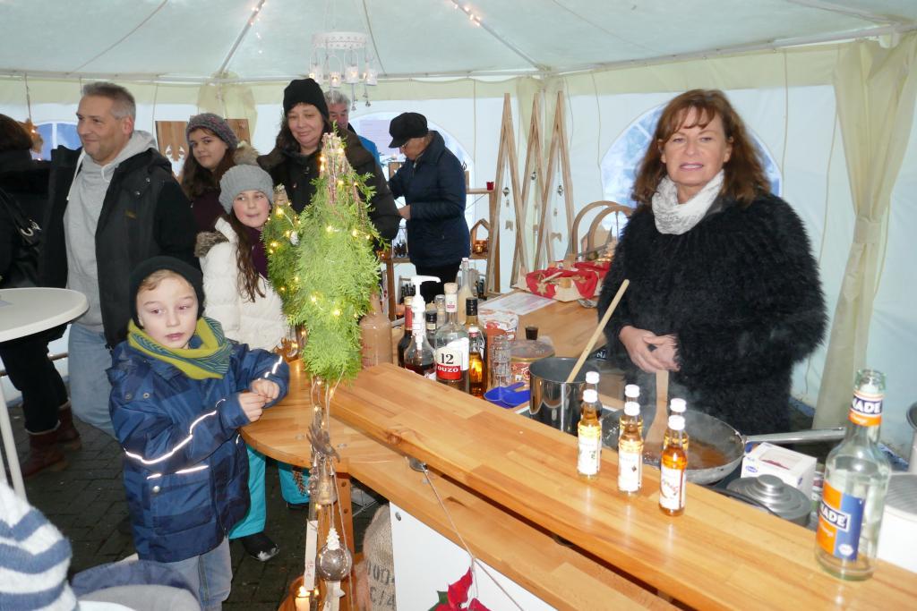 Mixgetränke im Pavillon-Zelt