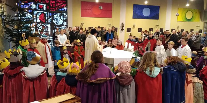 Sternsingermesse mit Pastor Dominic