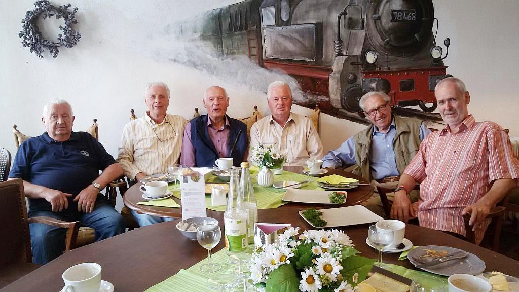 Mitglieder unseres Seniorenclubs nach ihrem Frühstück am 15.08.2018 im ehemaligen Bahnhof Sprockhövel