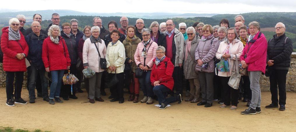 Unsere 35-köpfige Reisegruppe unter Leitung von Pfarrer Holger Schmitz in Frankreich