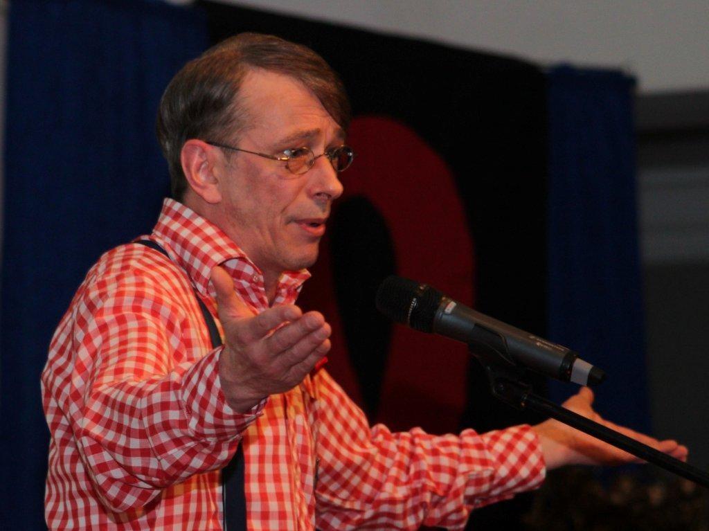 Musikakbarettist Thorsten Hitschfel