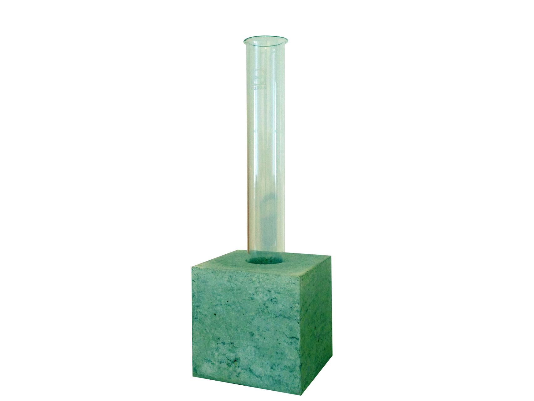 UNA - Vase - 21 x 7 x 7 cm - € 19,-