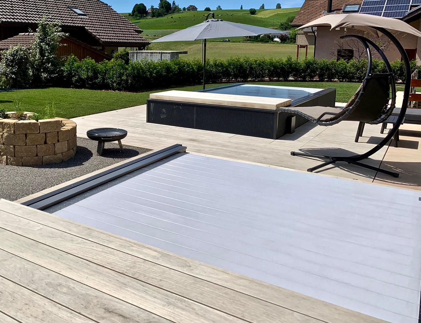 automatische Rolladenabdeckung RH 2.0 zu teilversenktem Dimension one Whirlpool und Swim Spa