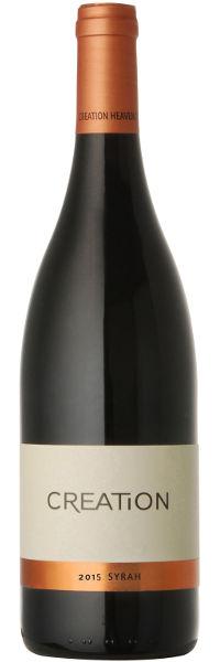 Der Creation Wines Syrah ist ein großzügiger aromatischer Wein mit beeindruckender Maraschino-Kirsche und pfeffriger Würze kombiniert mit einem Hauch von Veilchen. Reif mit seidigem Gaumen und lebendiger Mineralität, die eine spannende Komplexität bietet.