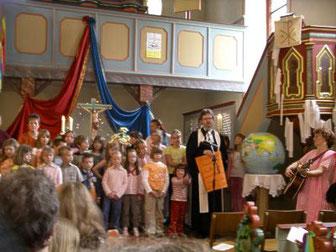 Abschluss-Gottesdienst nach KinderKirchentag  (Foto: Ev. Kgm.)