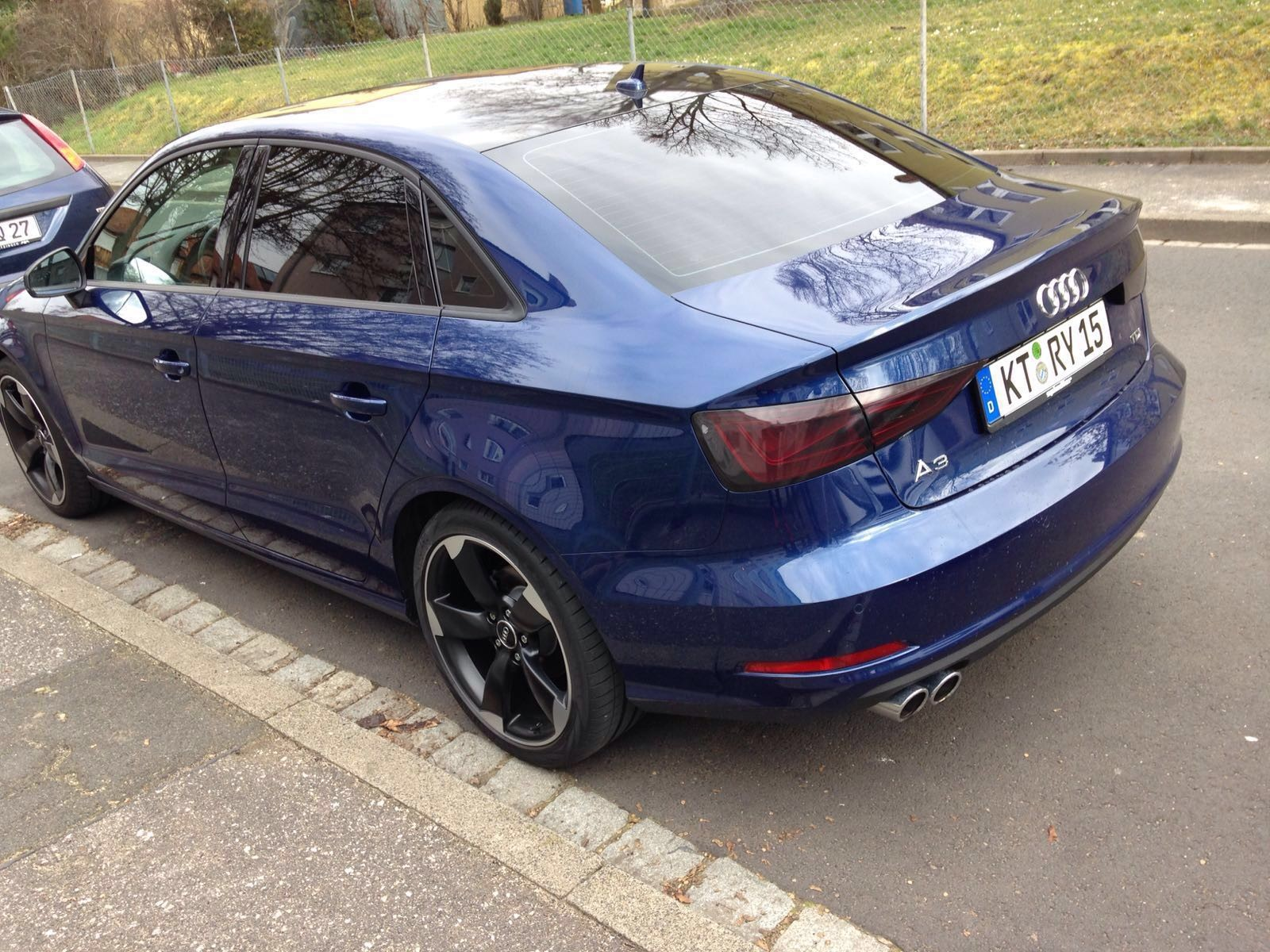 Audi A3 Limousine Scheibentönung 5%, Dachfolierung und Rückleuchtentönung