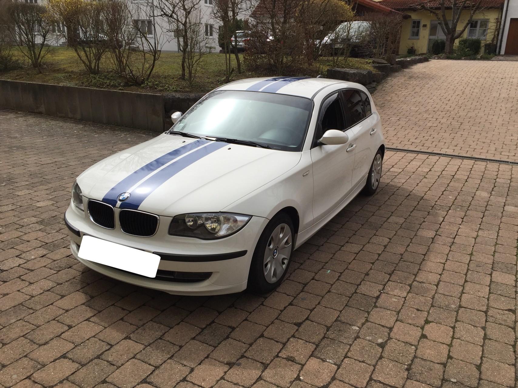 BMW 1er Viperstreifen Folierung und Scheibentönung 5% + Blendstreifen auf der Frontscheibe