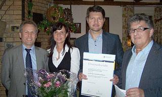 Übergabe der Ehrenurkunde zum 50. Jubiläum der Firma Schienmann