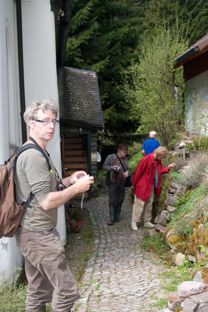 NABU-Exkursion in einen schlangenfreundlichen Garten