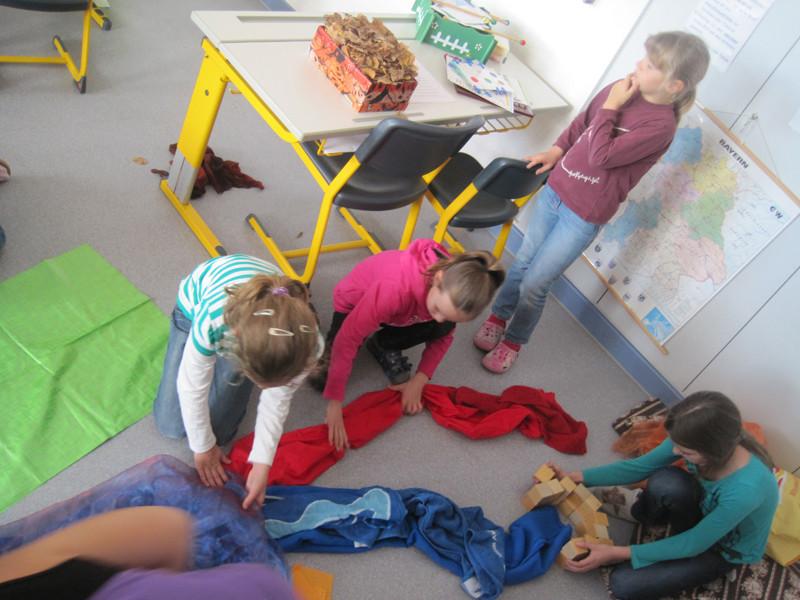 "Die Klasse 3a holt sich Smetanas ""Moldau"" ins Klassenzimmer"