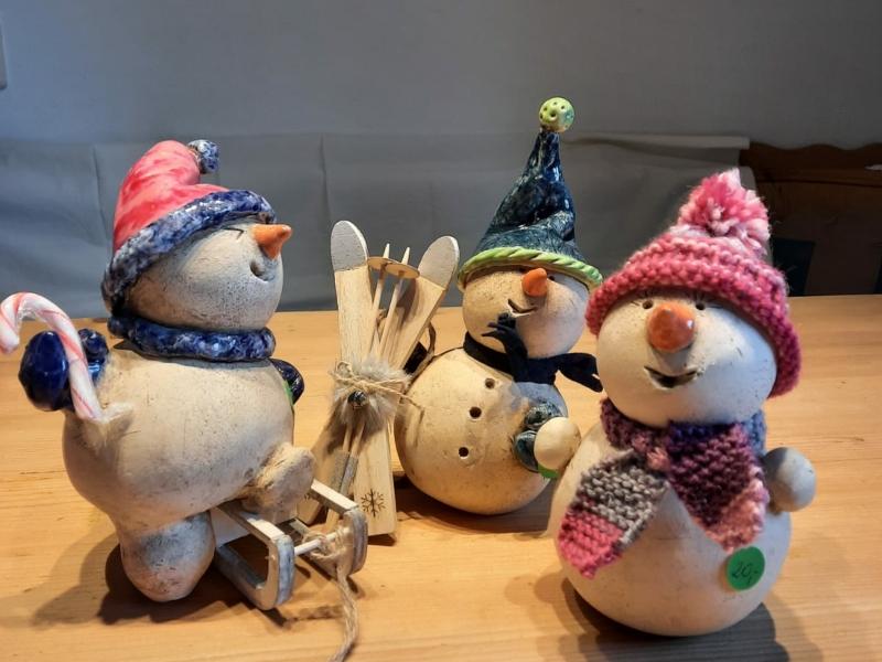 Lustige Schneemänner (Höhe ca. 15 cm): Stück 22 €