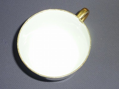 コーヒーカップの淵を再生します!!(全て「金継」です)この技は熟練の技が必要ですが、佐々木先生の元うまく、手際よく行うことが出来ます。