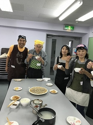 かき揚げと美味しいお蕎麦で、最高!! (^^♪ ♬
