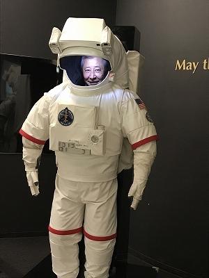 本物の宇宙服が展示されてました!O氏と私が撮りました(*^^*)